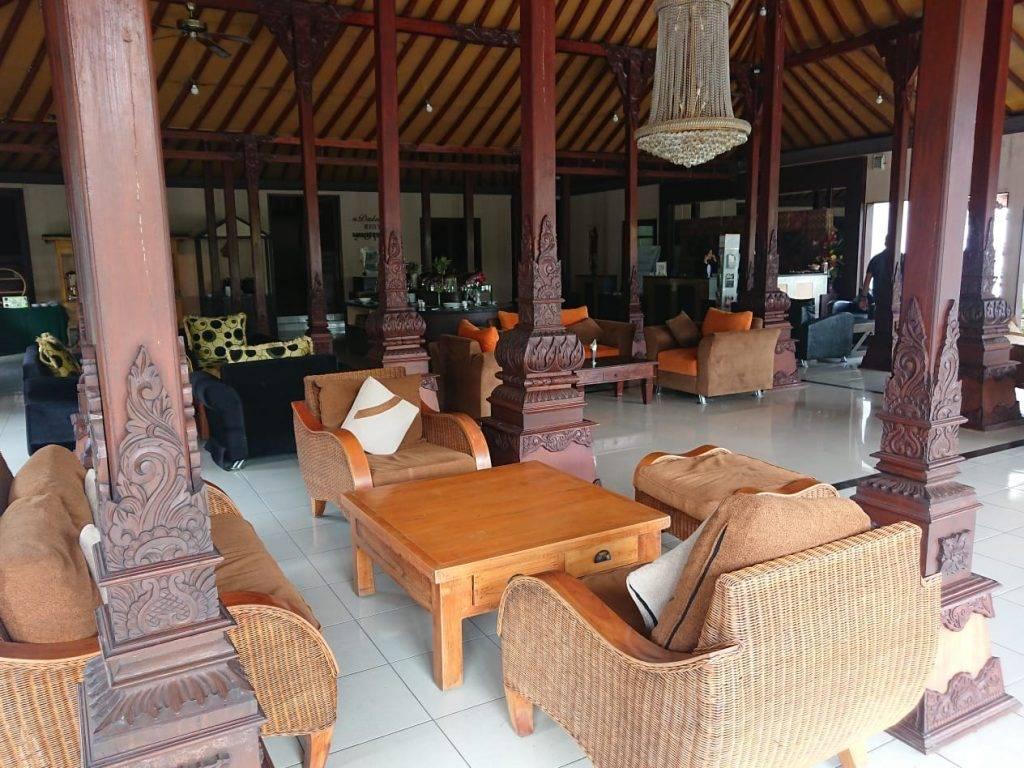 Lobby Hotel Ataya min