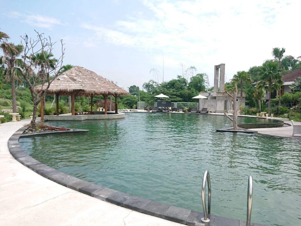 Kolam Renang Hotel Ataya min